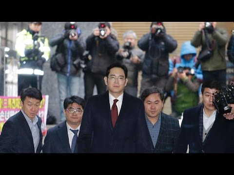 [16 Jan 2017] Prosecutors: Arrest Samsung heir for
