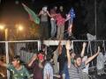 [17 Sep 2012] Burning US & isreal flag on Gate of American consulate - LABBAIK YA RASULALLAH Rally Lahore - Urdu