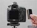 Canon 5D Mark III - Examining battery and media cards - English